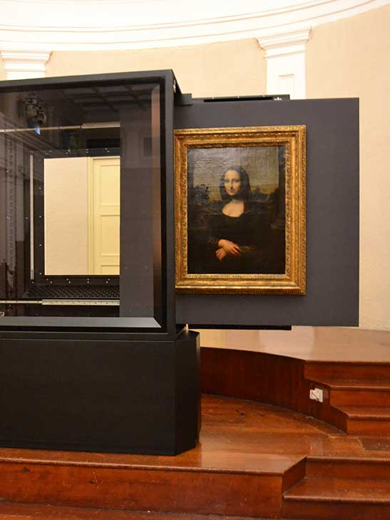European Museum Technology created a dismantle-able display case that needed to have bulletproof glass, active environmental control and remote to control temperature, humidity and lighting.
