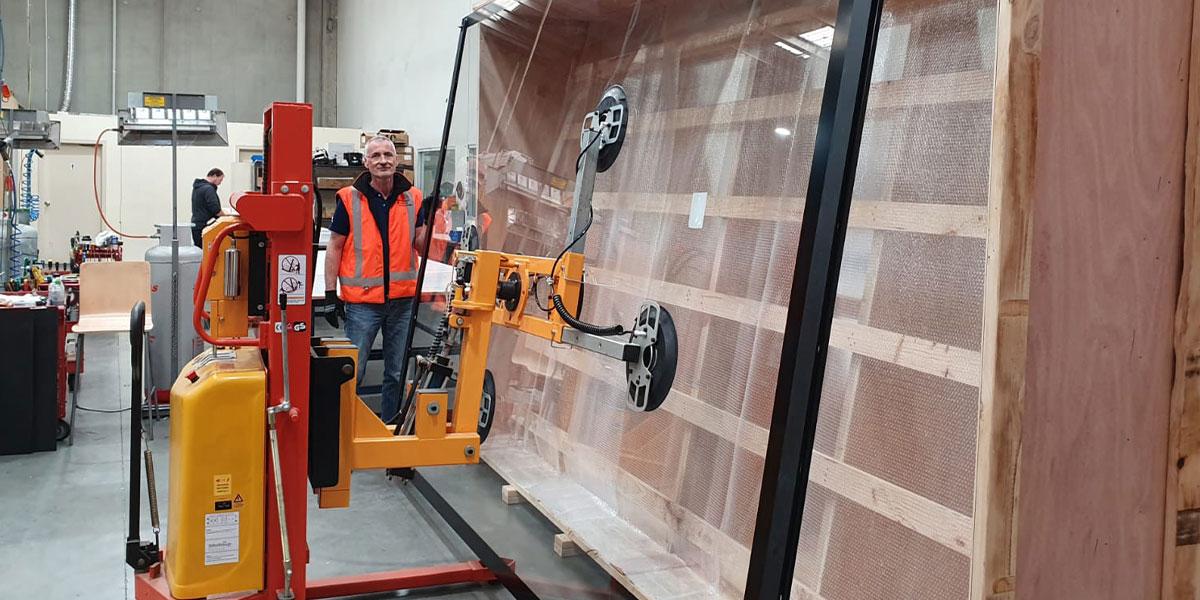 European_Museum_Technology_Glass_transport_and_InstallationH