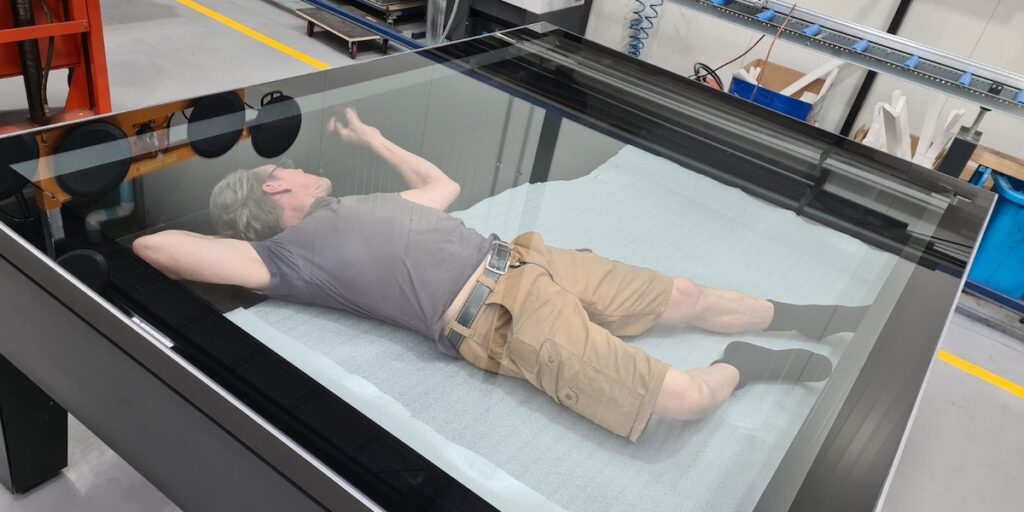 European Museum Technology completes rigorous air exchange tests before final instalation of it's European Museum Standard Showcases.